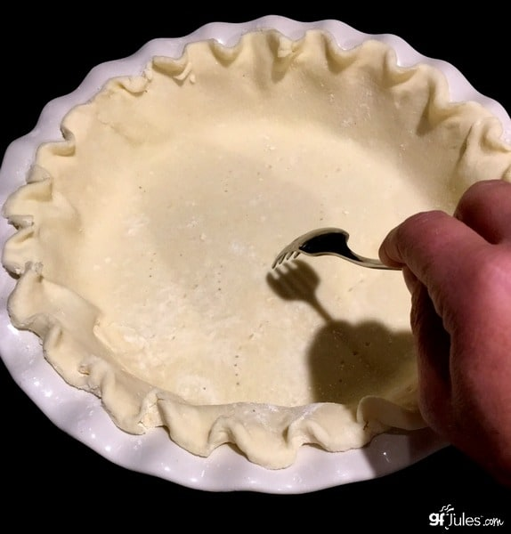 Frozen Gluten-Free Pie Crust. If you want to make your pie crust ahead, freeze it, and then pull it out, fill, and bake, this recipe from GF Jules is the one for you! [featured on GlutenFreeEasily.com] (photo)