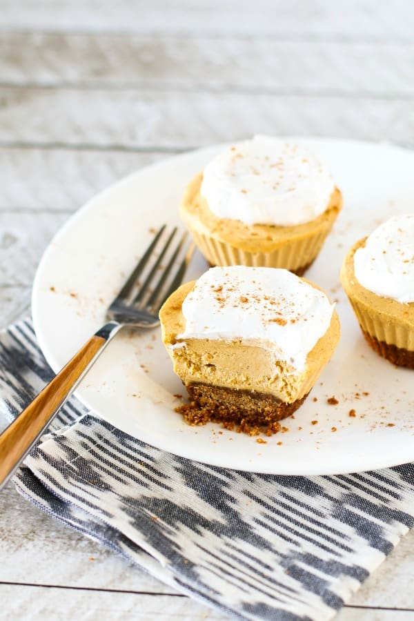 Gluten-Free Vegan Mini Pumpkin Cheesecakes. One of 30+ gluten-free pumpkin cheesecakes. [featured on GlutenFreeEasily.com]